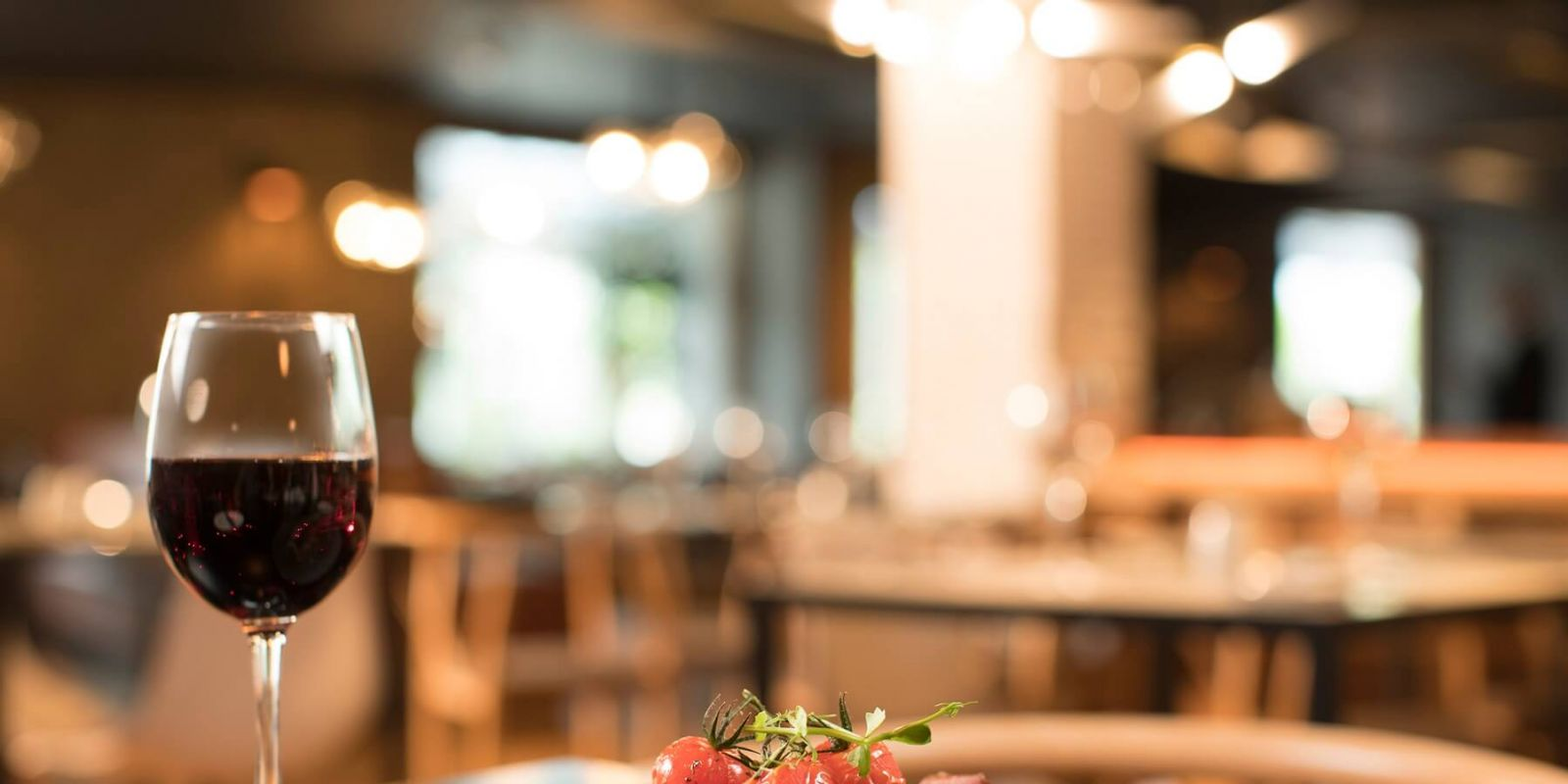 Visit Our Newly Refurbished Bar & Restaurant For Breakfast, Lunch & Dinner
